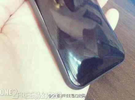 iPhone-low-cost-appare-in-due-foto-da-due-fonti-2